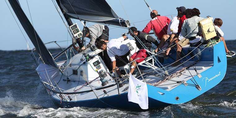 Barco equipado con Hélice Ultimoo